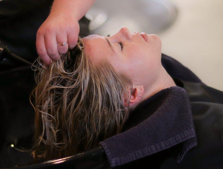 To, co włosy lubią najbardziej: witaminy i płukanki